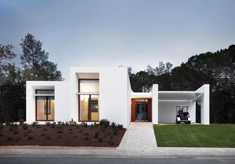 La Pineda by Jaime Prous Architects