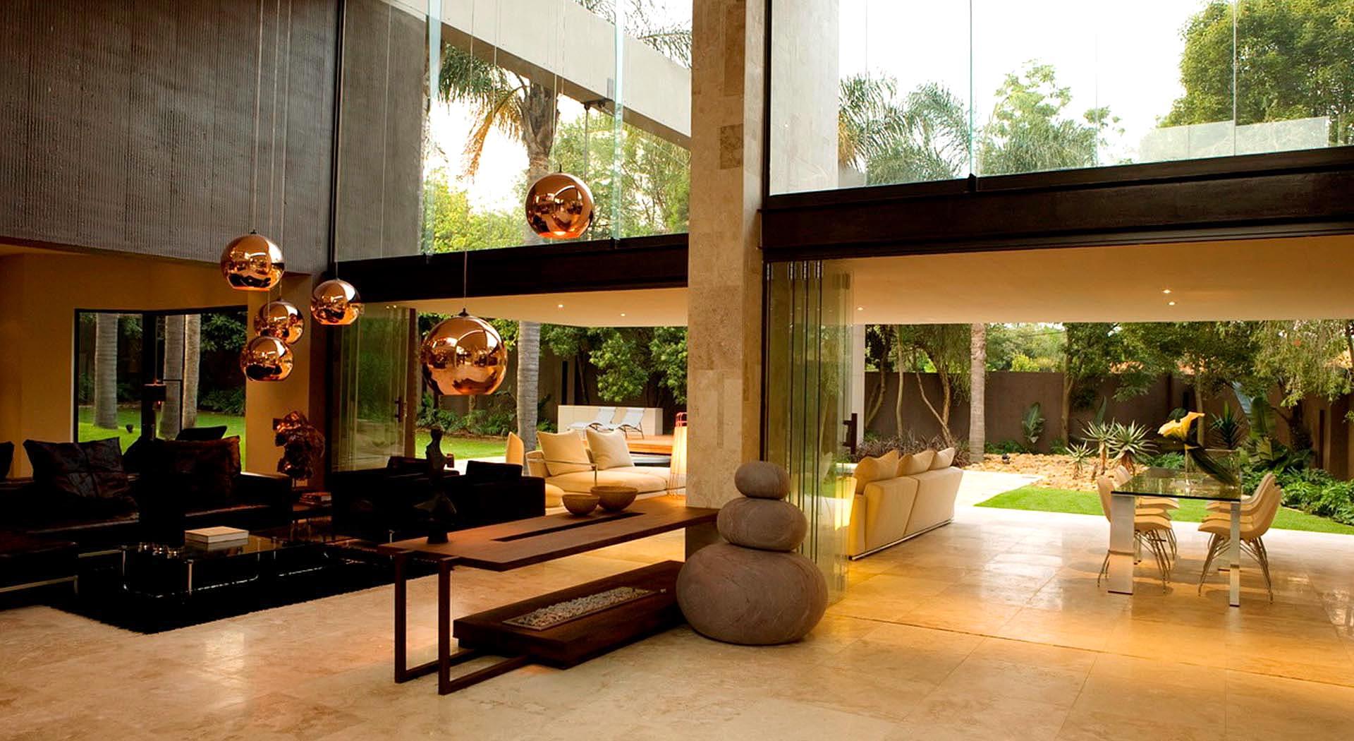 Total renovation by Nico van der Meulen Architects