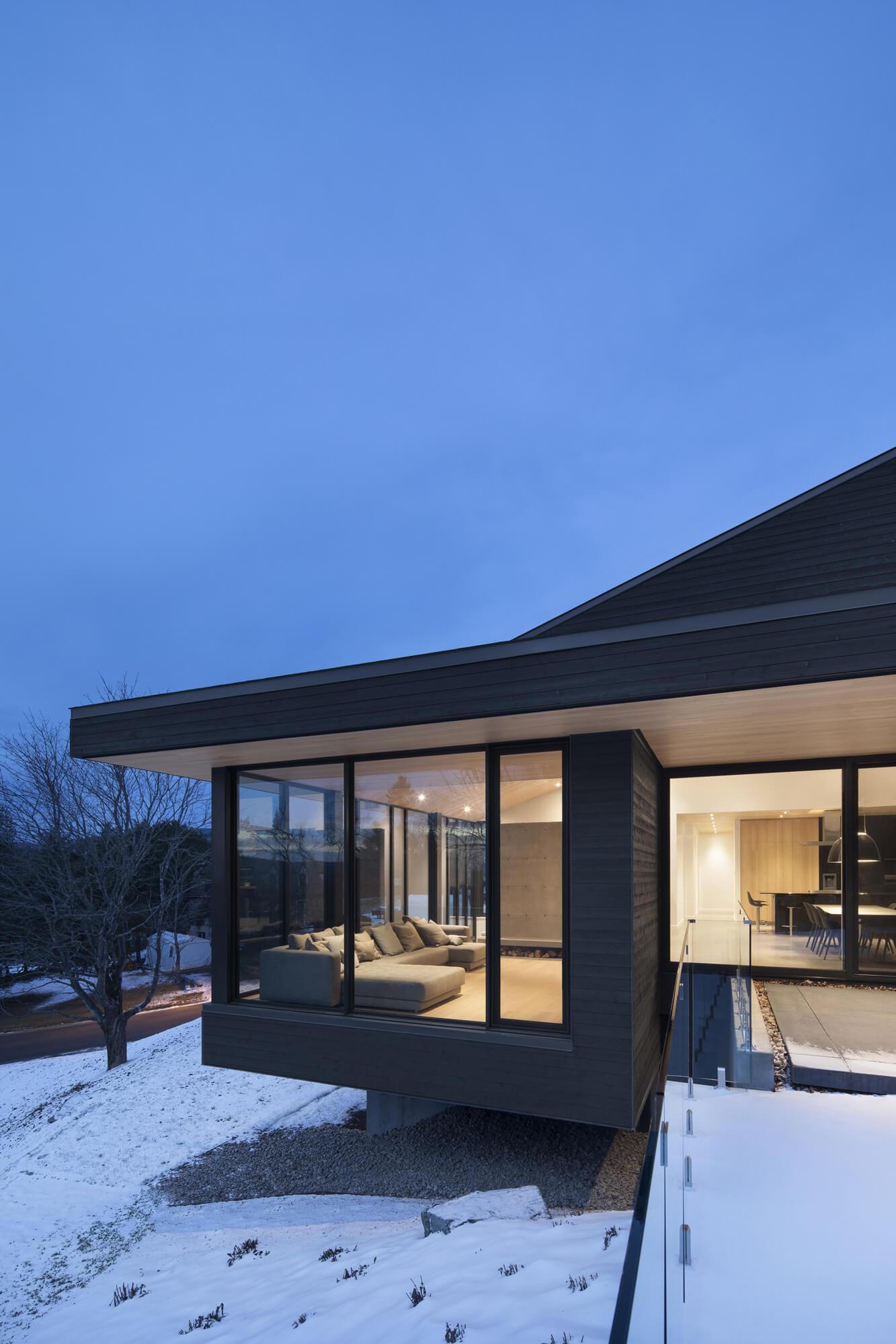 Villa Vingt by Bourgeois / Lechasseur architectes