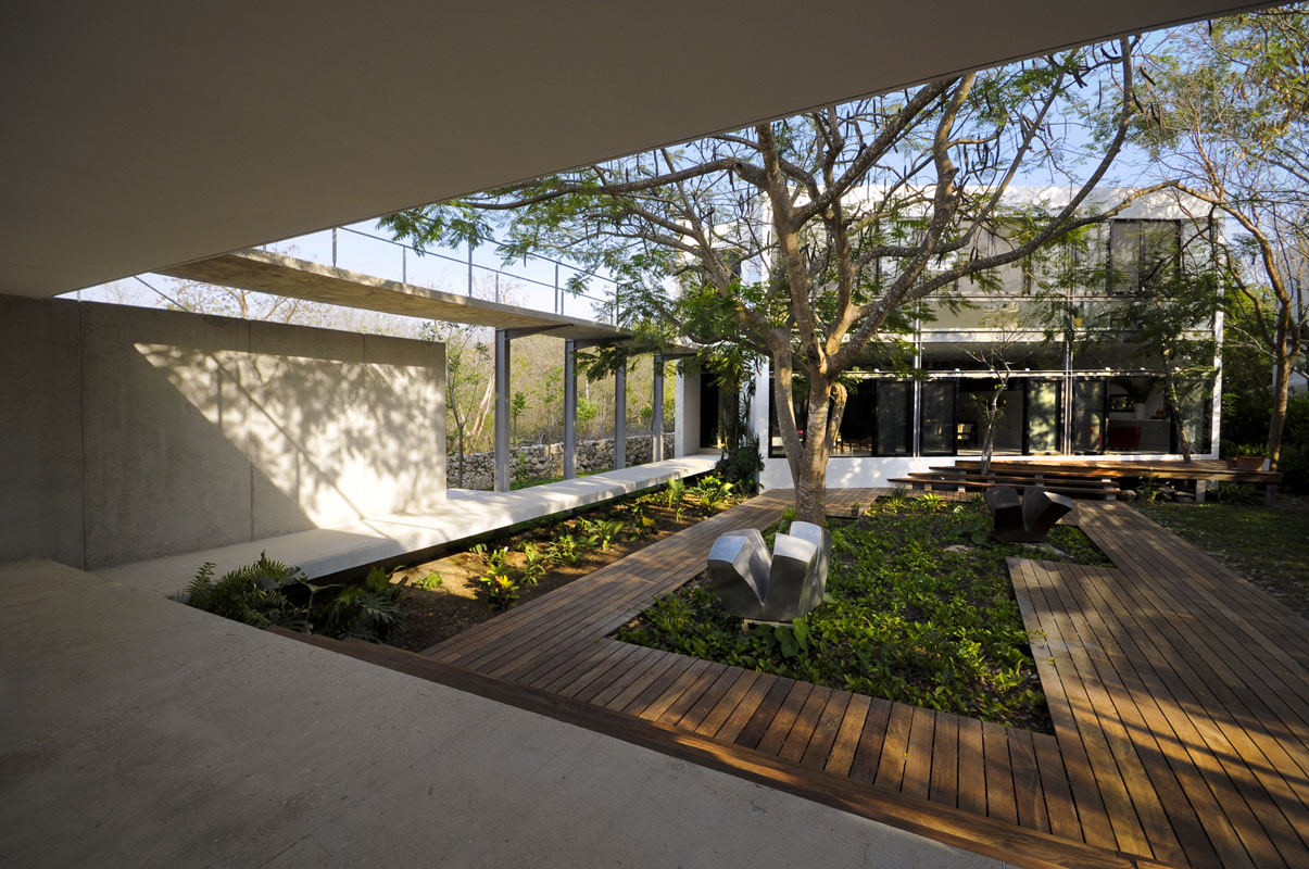 Among Trees by Muñoz Arquitectos Asociados