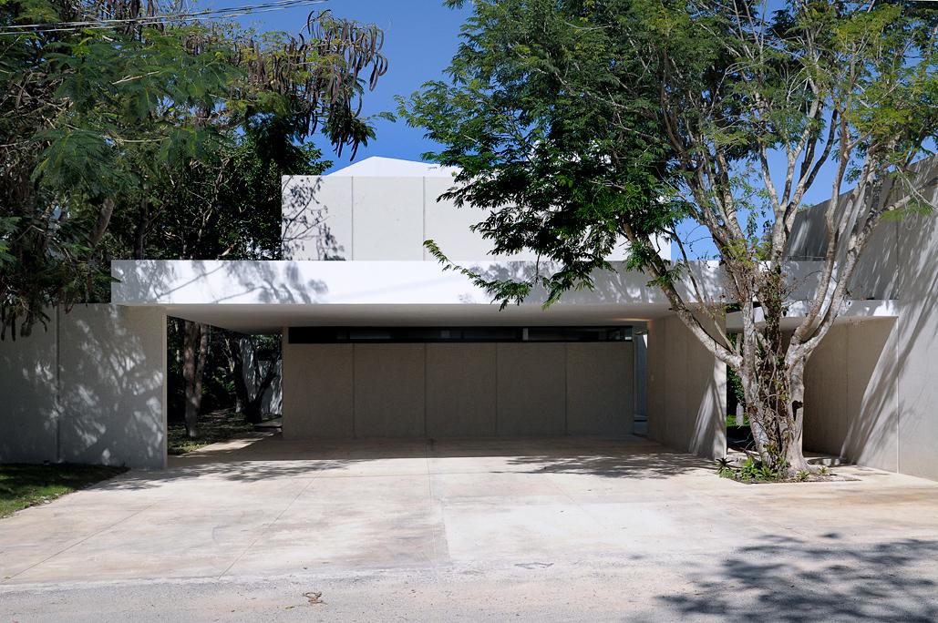 Among Trees by Muñoz Arquitectos Asociados