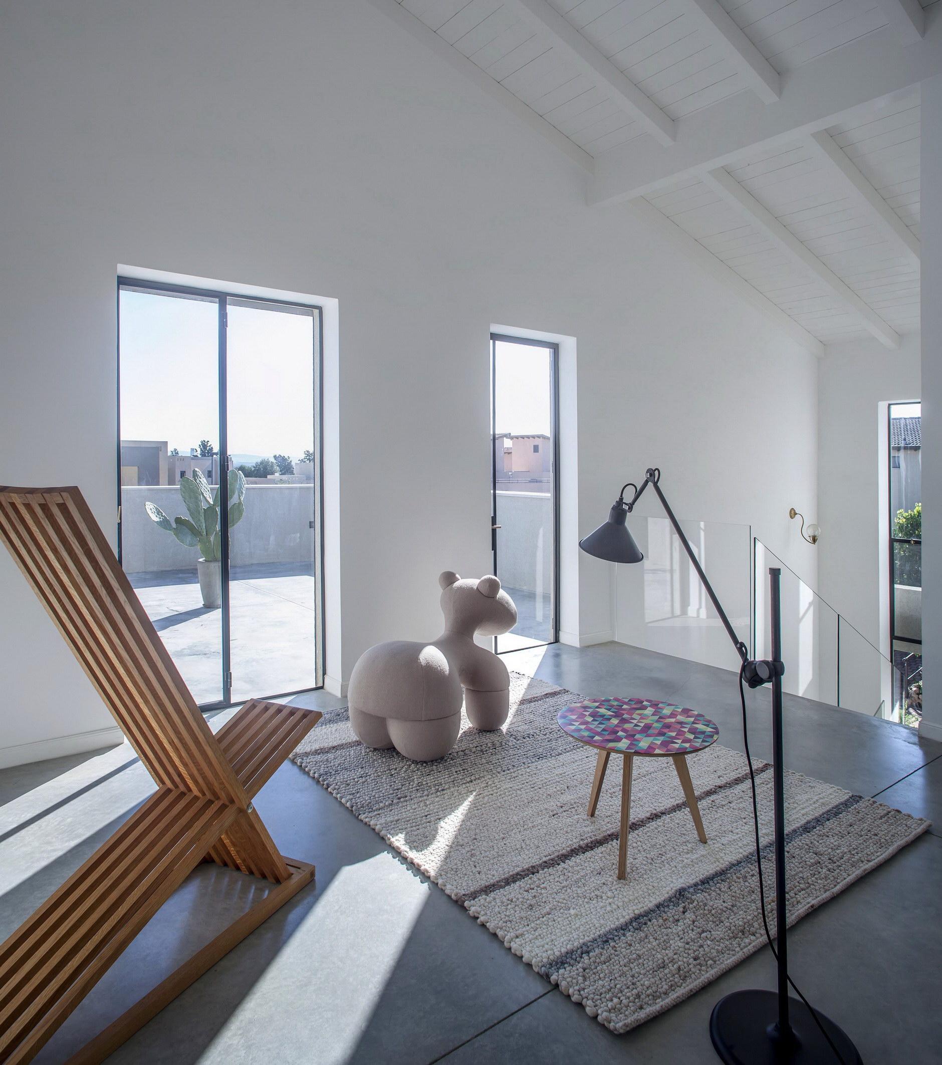 A Modern Kibbutz House by Henkin-Shavit Studio