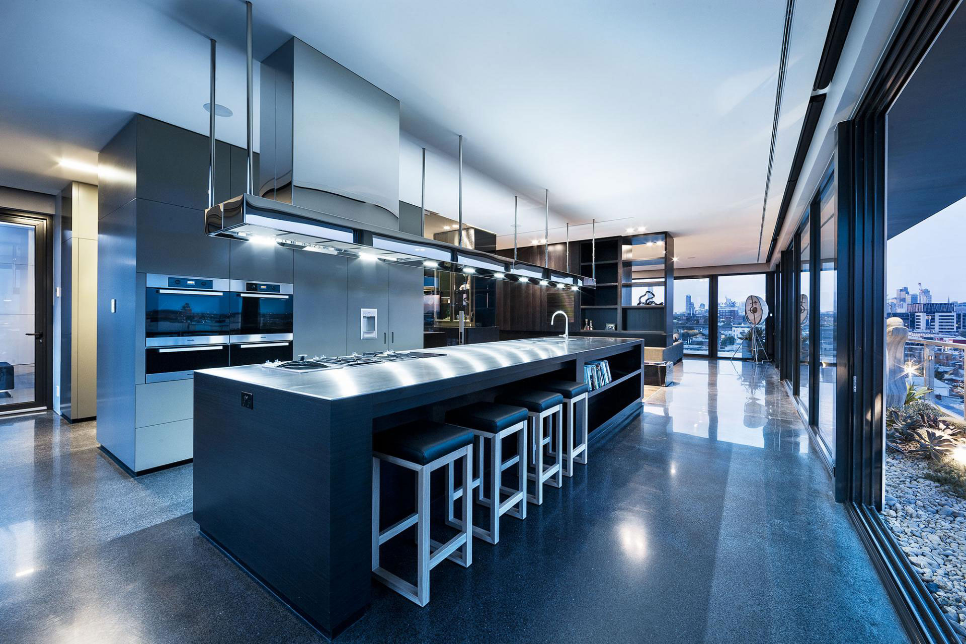 Coppin Street Penthouse by JAM Architects
