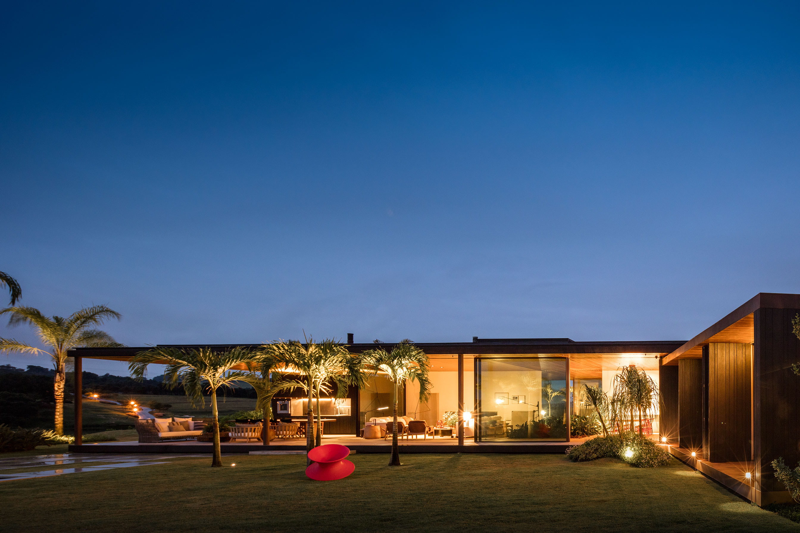 BF House by Jacobsen Arquitetura