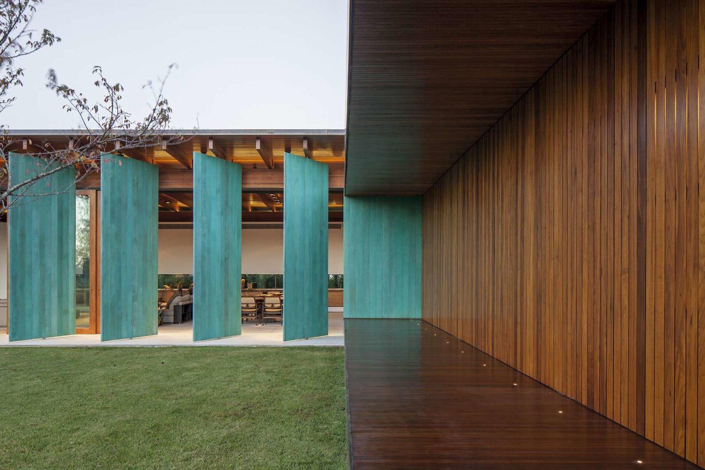 GCP House by Bernardes Arquitetura