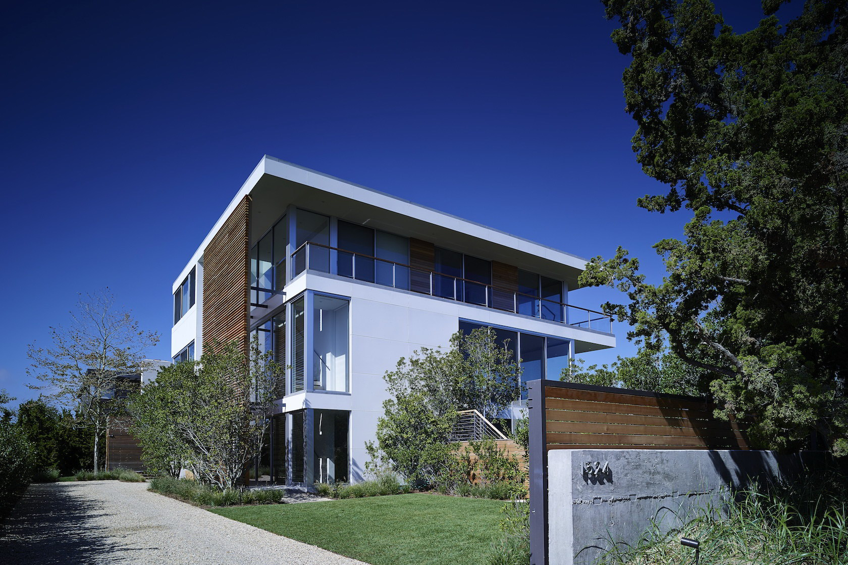 Home in Mecox Bay by Stelle Lomont Rouhani Architects