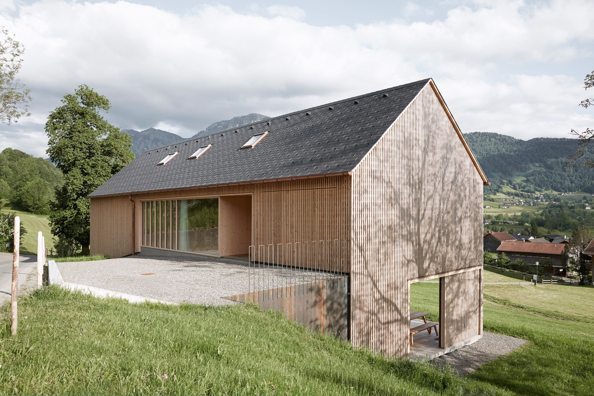 House for Julia and Björn by Architekten Innauer Matt
