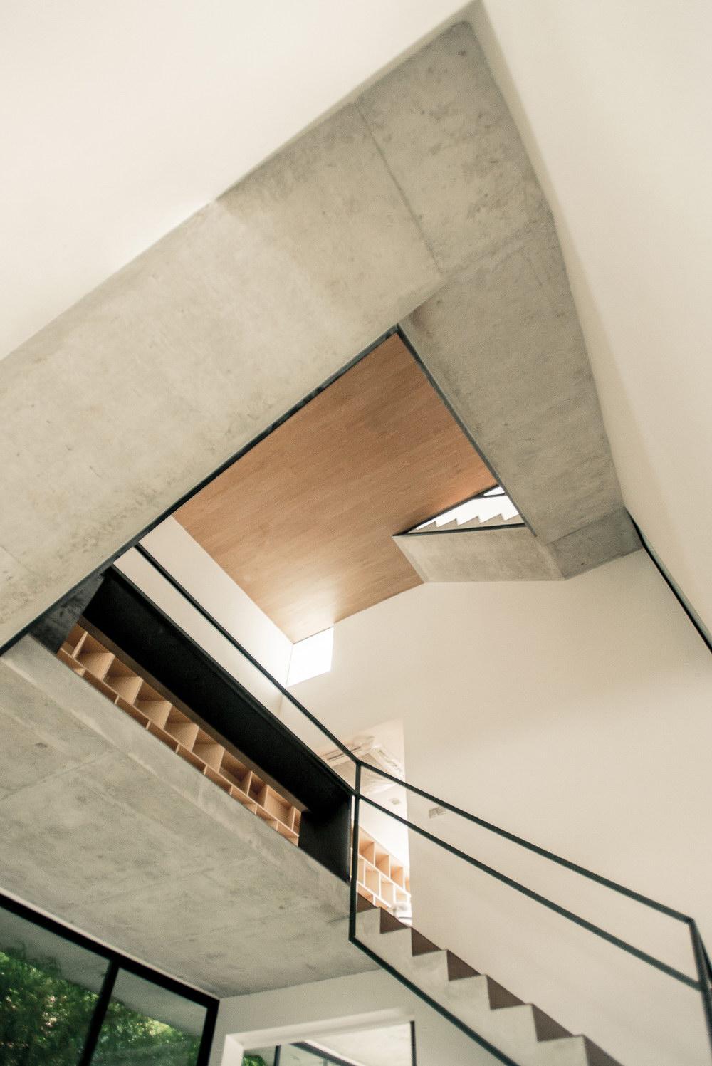 Ledge House by Materium