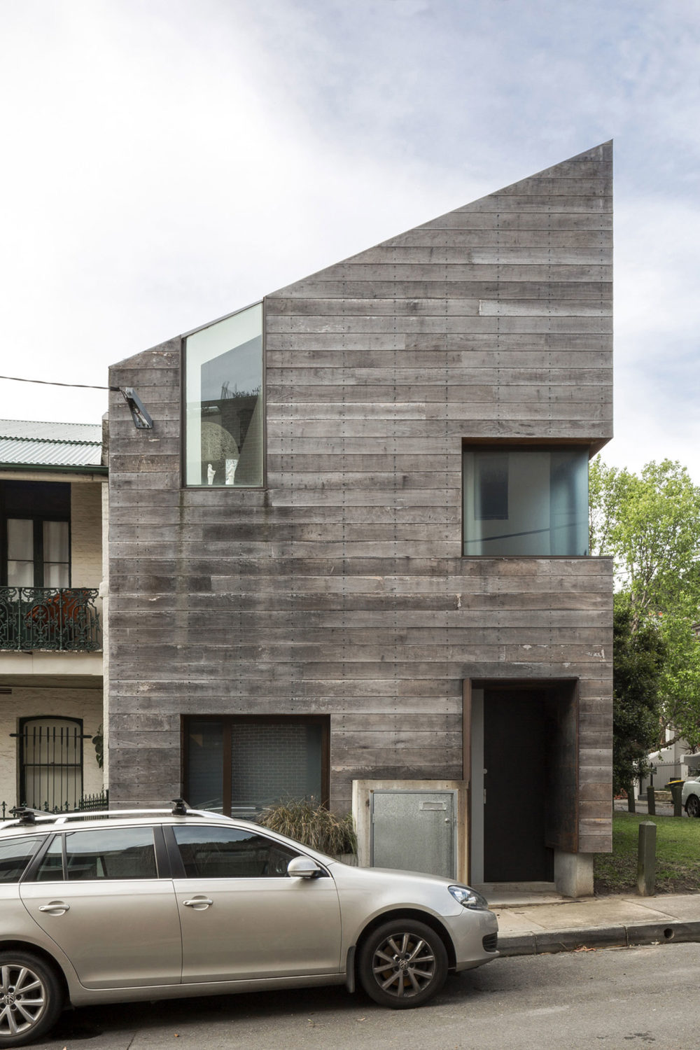 Stirling House (Sydney, Australia) by Mac-Interactive Architects