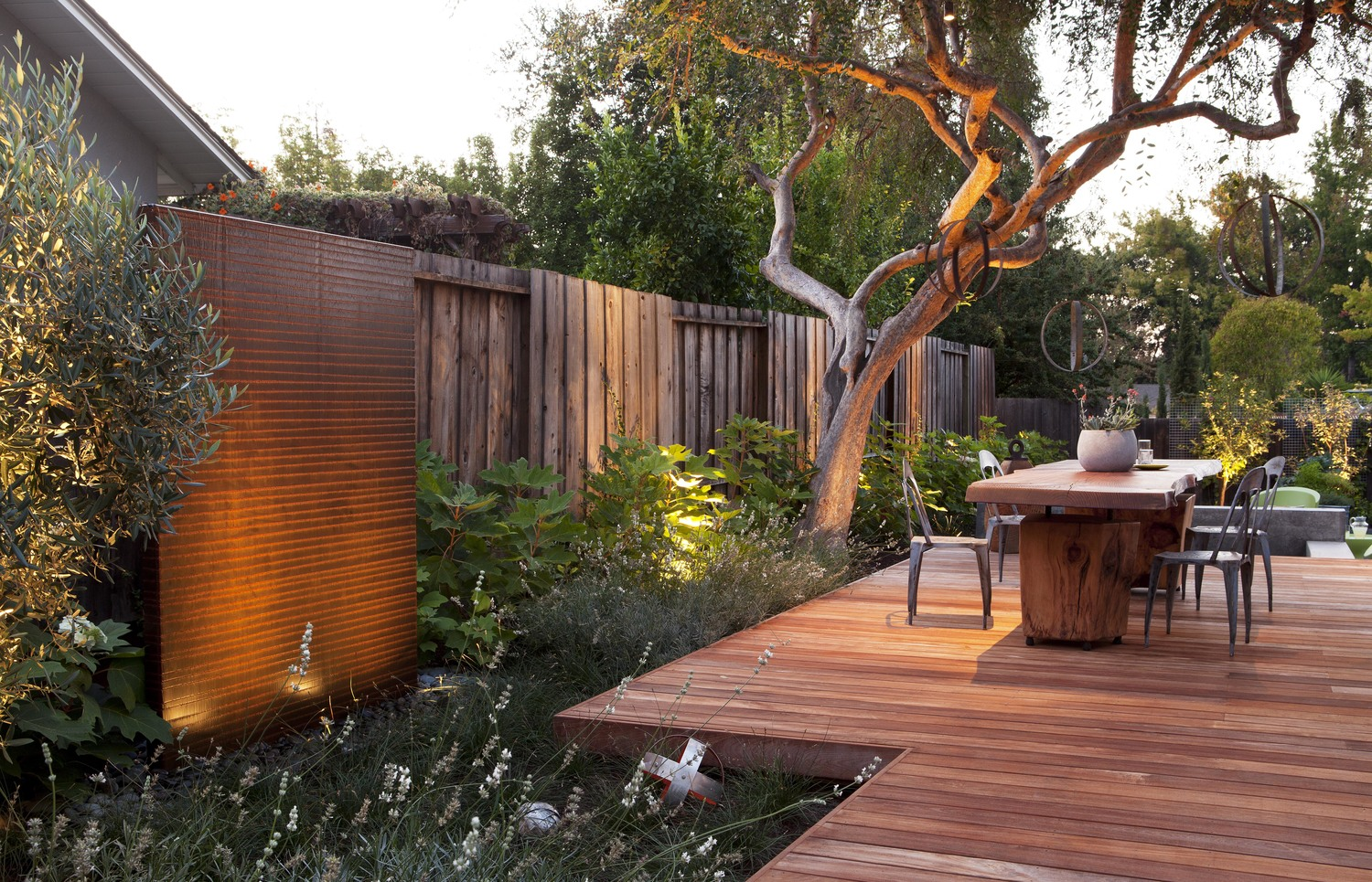 The Gathering Table By Arterra Landscape Architects Wowow Home