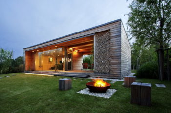 Holiday Cottage by Toth Project