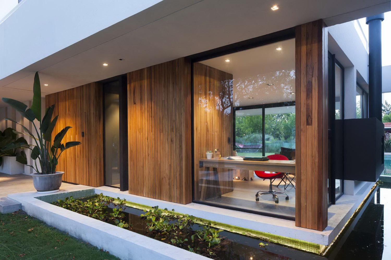 Roomy House by Estudio PKa