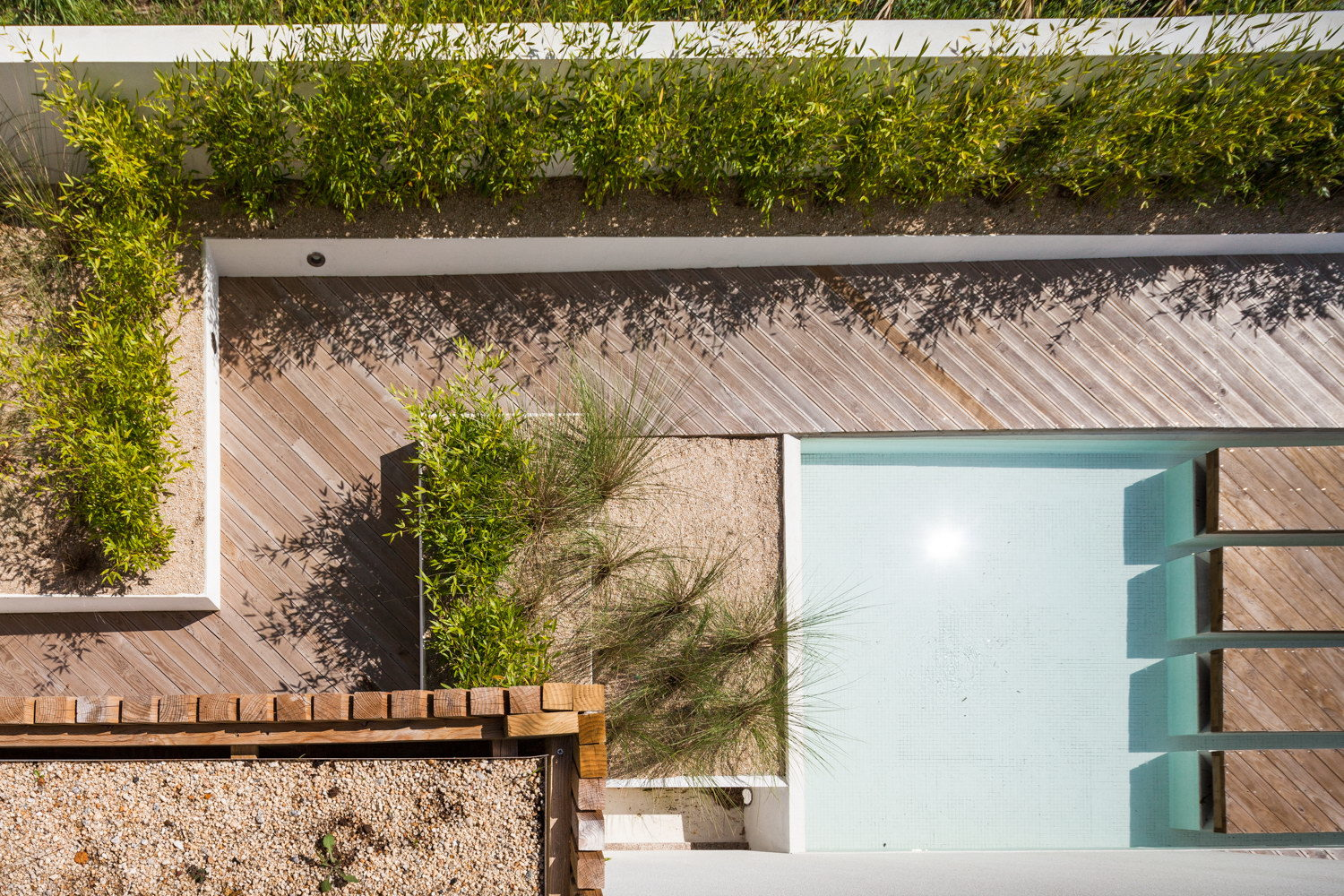 Silver Wood House by 3r Ernesto Pereira