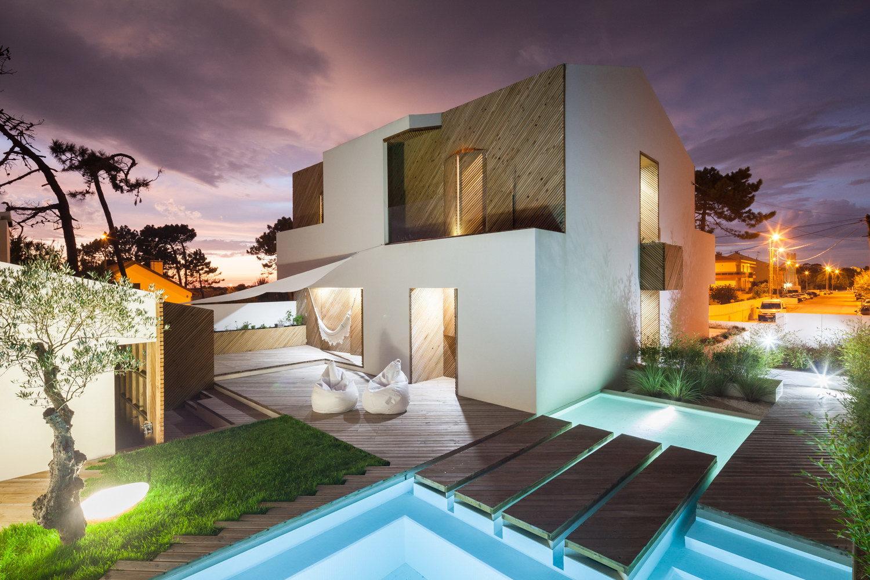 Silver Wood House by 3r Ernesto Pereira