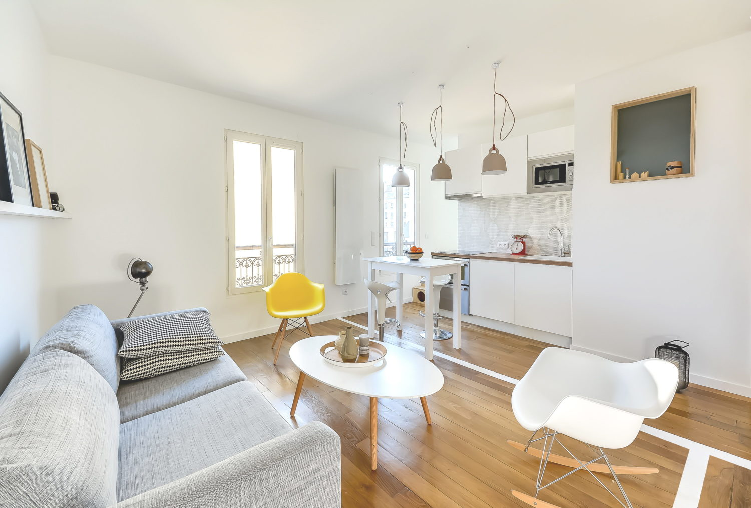 Tiny flat in Paris by Richard Guilbault