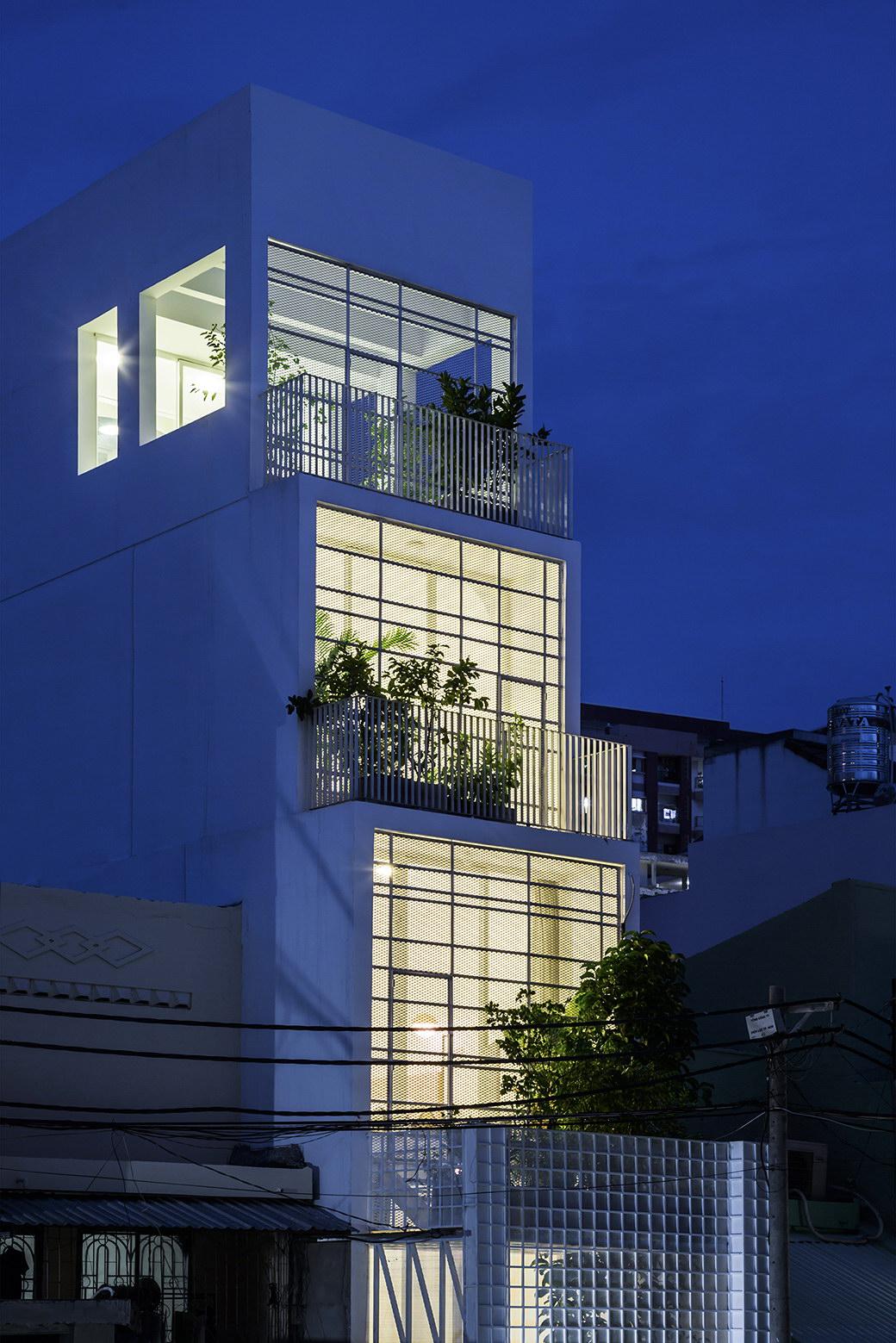 House 304   Compact Home by KIENTRUC O