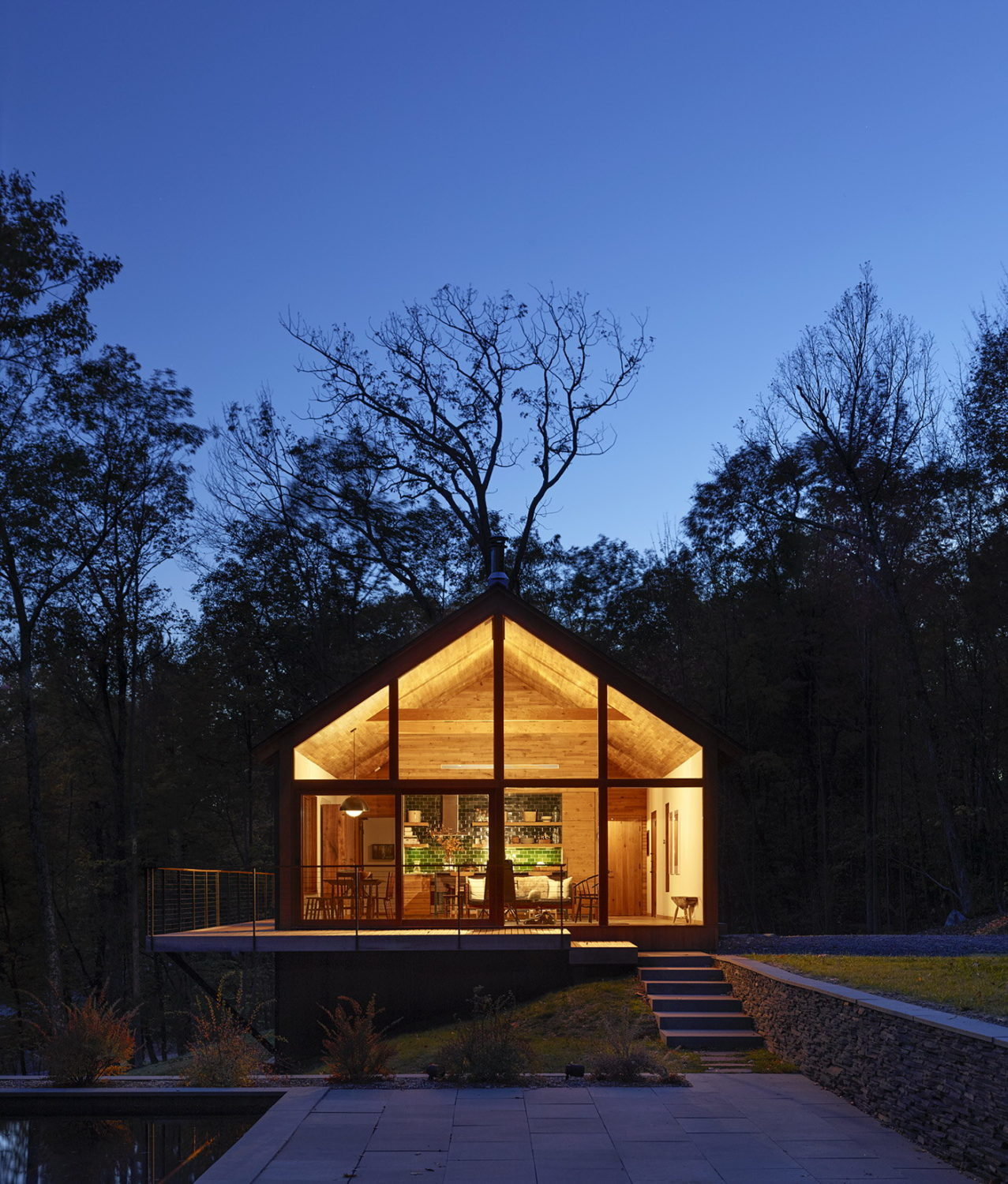 House in Hudson Woods by Lang Architecture