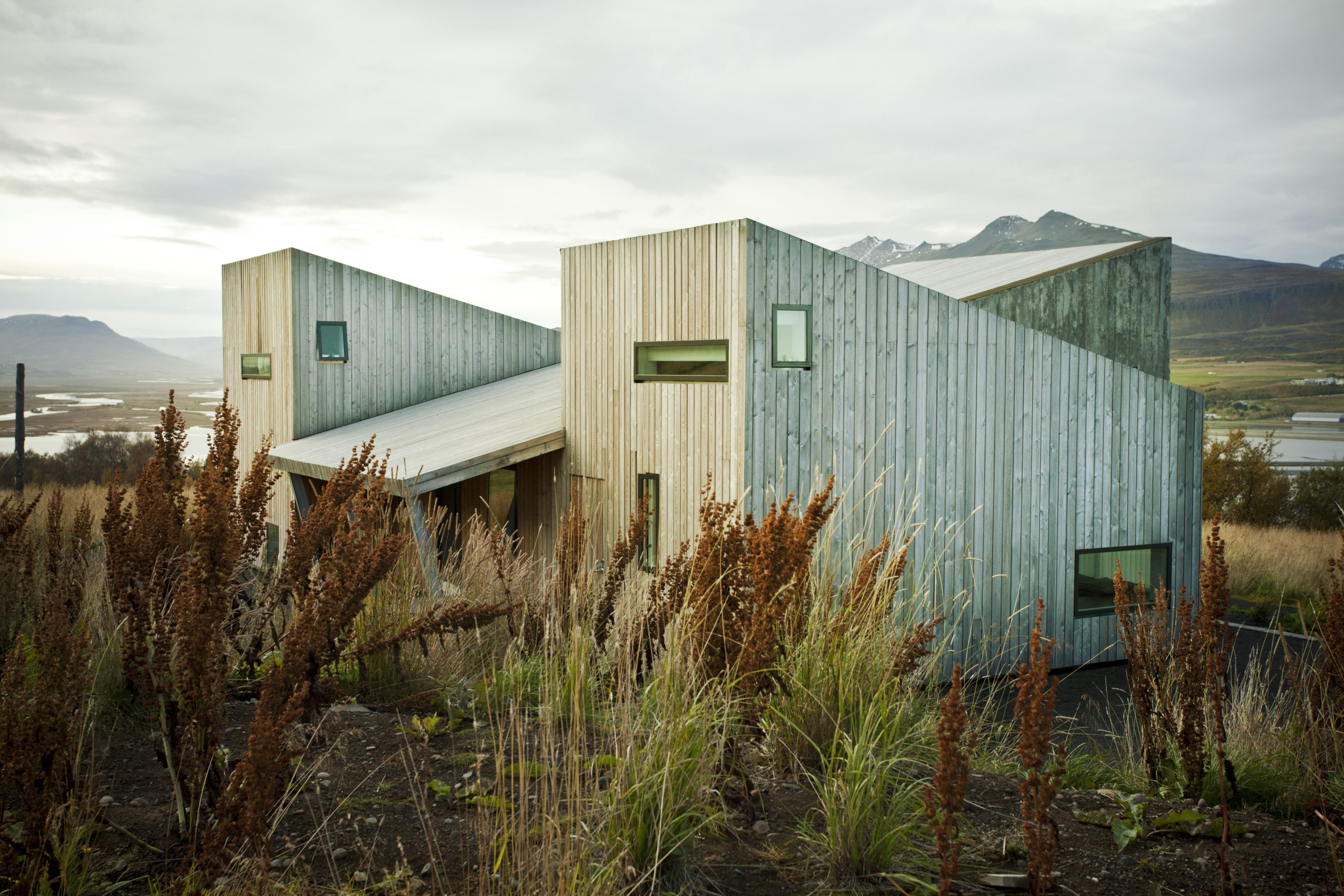 Iceland Villa   Villa Lola by ARKÍS architects
