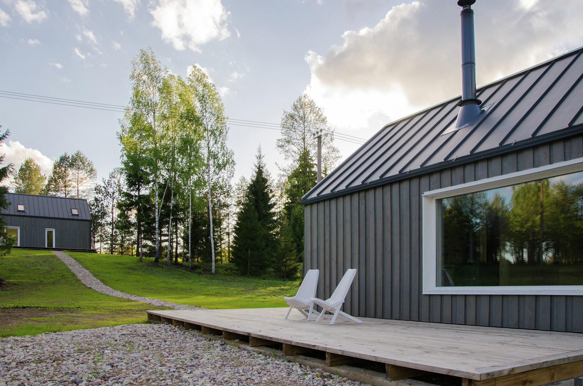 Lithuanian Hunting House by Devyni architektai