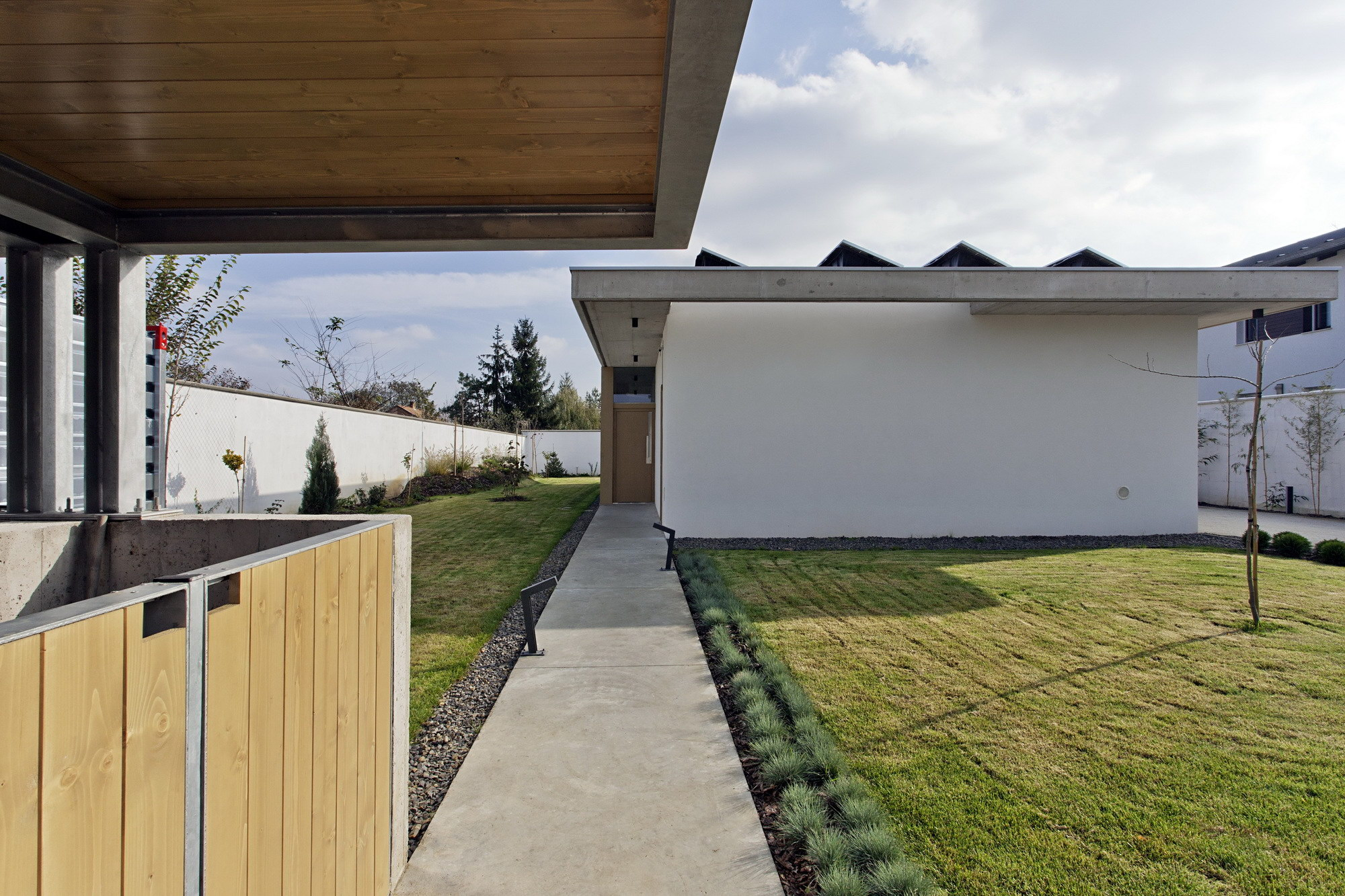 TD House   Family House by sporaarchitects