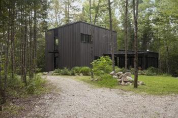 La Cache | Forest house by Nathalie Thibodeau Architecte