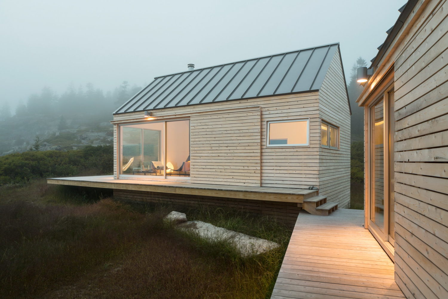 Little House on the Ferry | Guest Residence by GO Logic