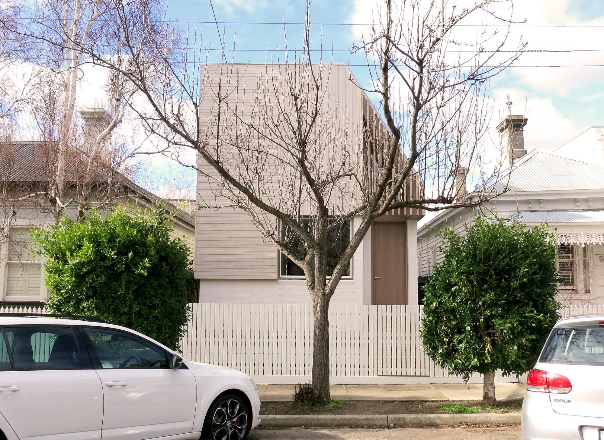 Tess + JJ's House | Narrow House by po-co ArchitectureTess + JJ's House | Narrow House by po-co Architecture