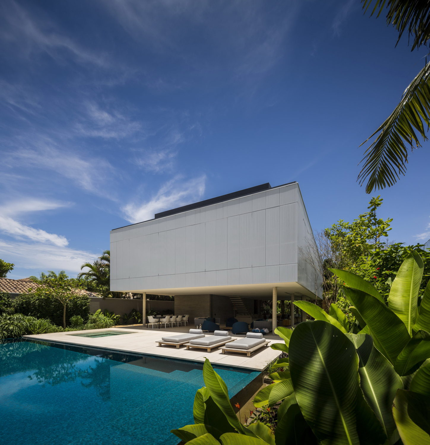 White House | Brazilian House by StudioMK27