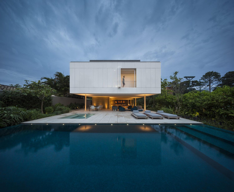 White House | Brazilian House by StudioMK27