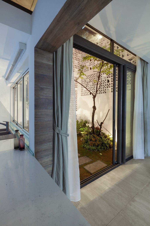Cocoon House | Refurbishment by Landmak Architecture