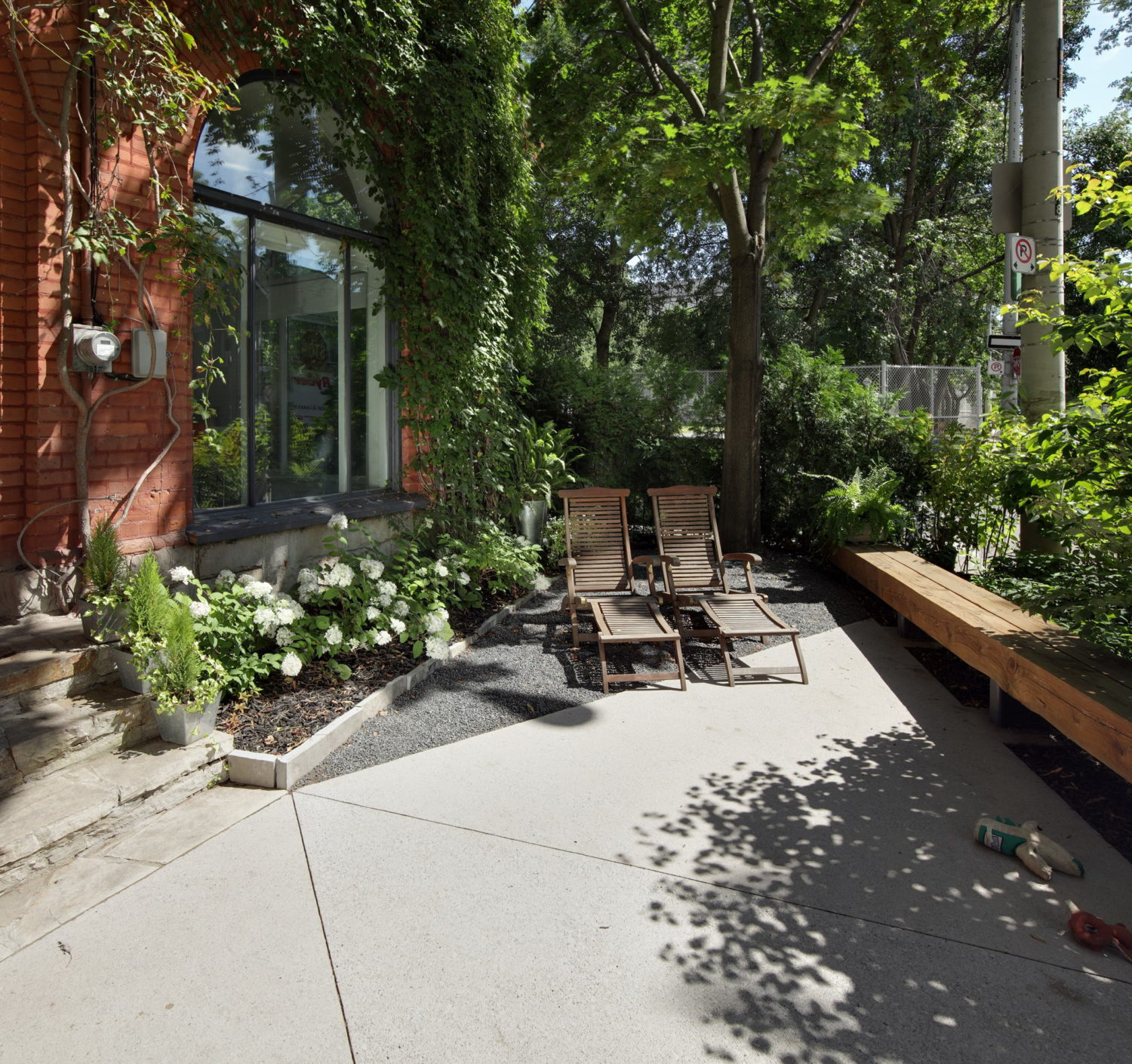 First Avenue Garden by PLANT Architect Inc.