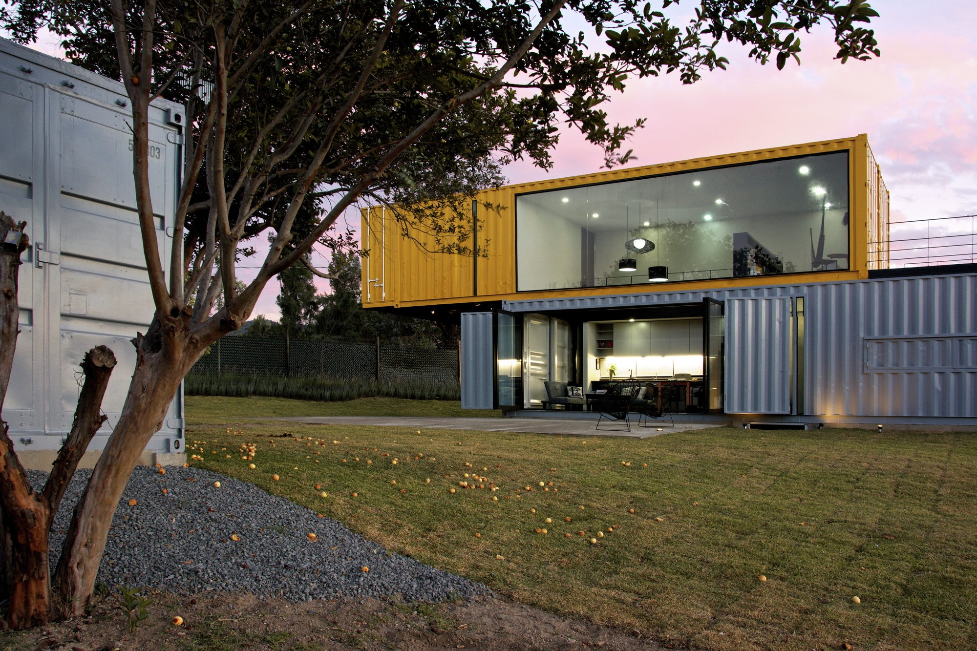 Huiini House | Container House by S + Diseño