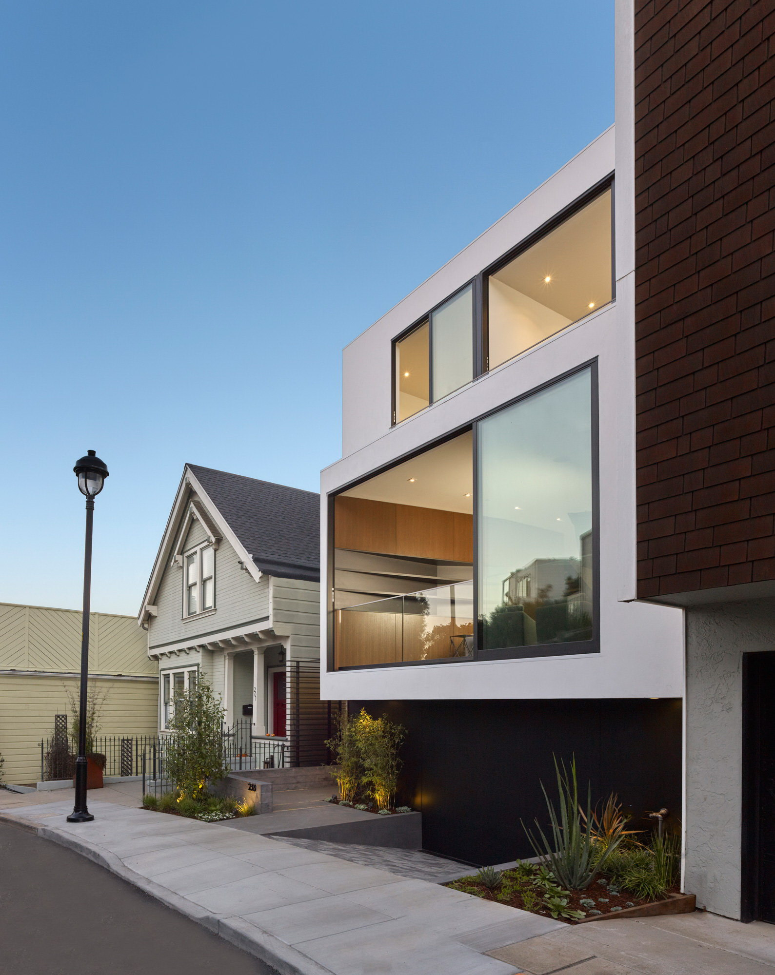 Laidley Street Residence by Michael Hennessey Architecture