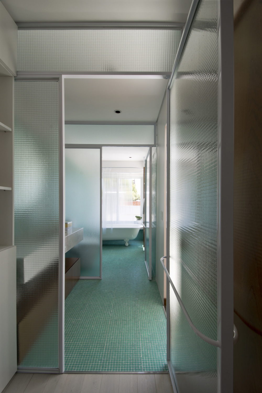 Luis Viale | House Renovation by Nidolab Arquitectura