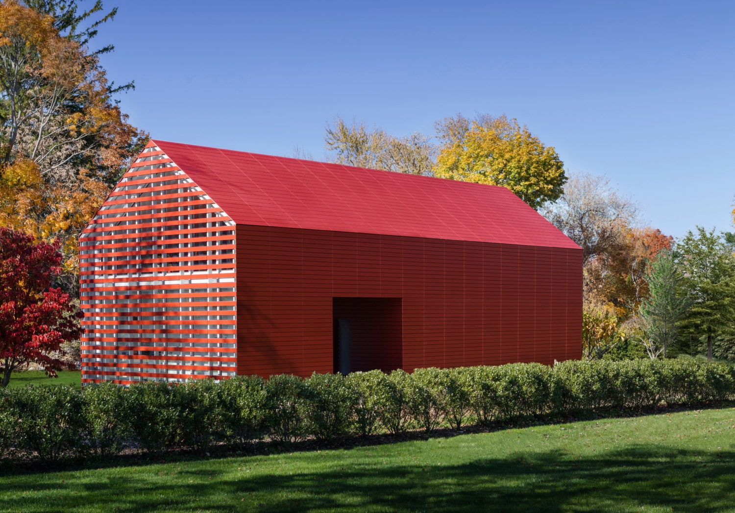 Red Barn | Artist's Retreat by Roger Ferris + Partners