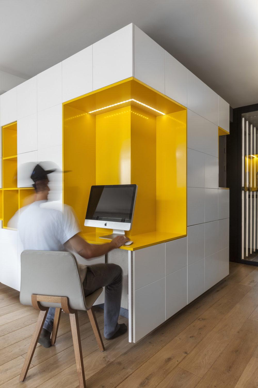 Rethinking Parisian Apartment by Glenn Medioni