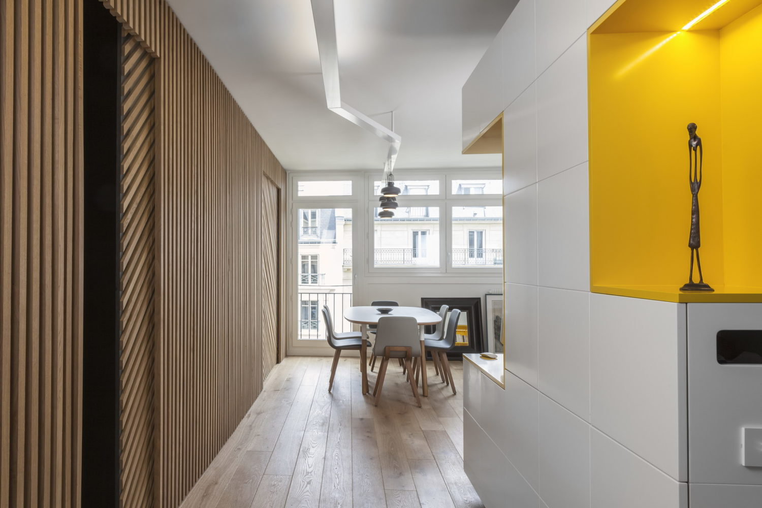Rethinking Parisian Apartment by Glenn Medioni