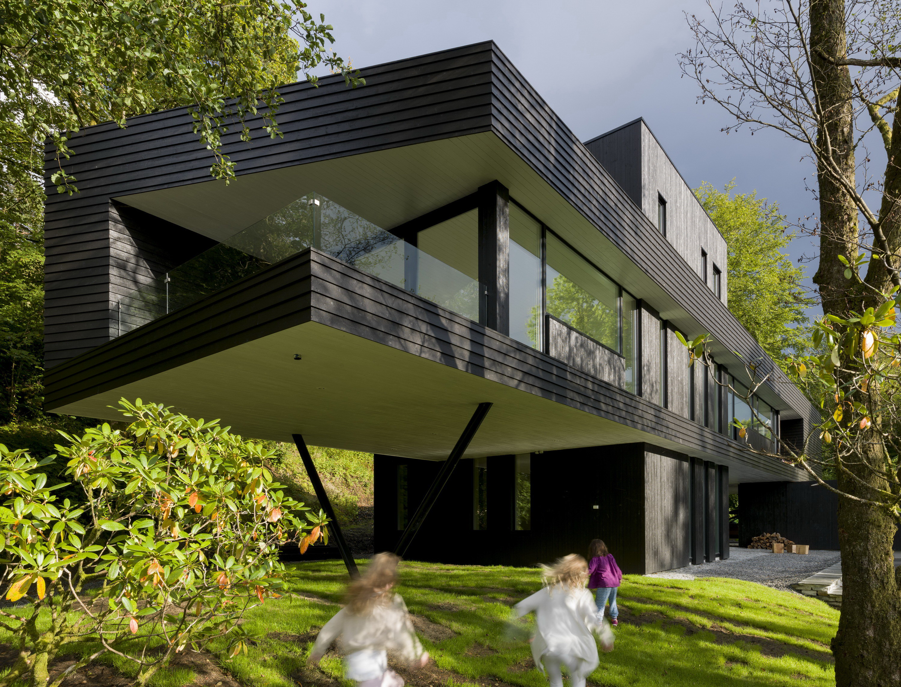 Villa S | Dark Modern Home by Saunders Architecture