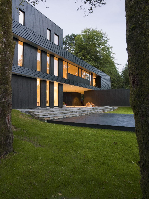 Villa S | Dark Modern Home by Saunders Architecture