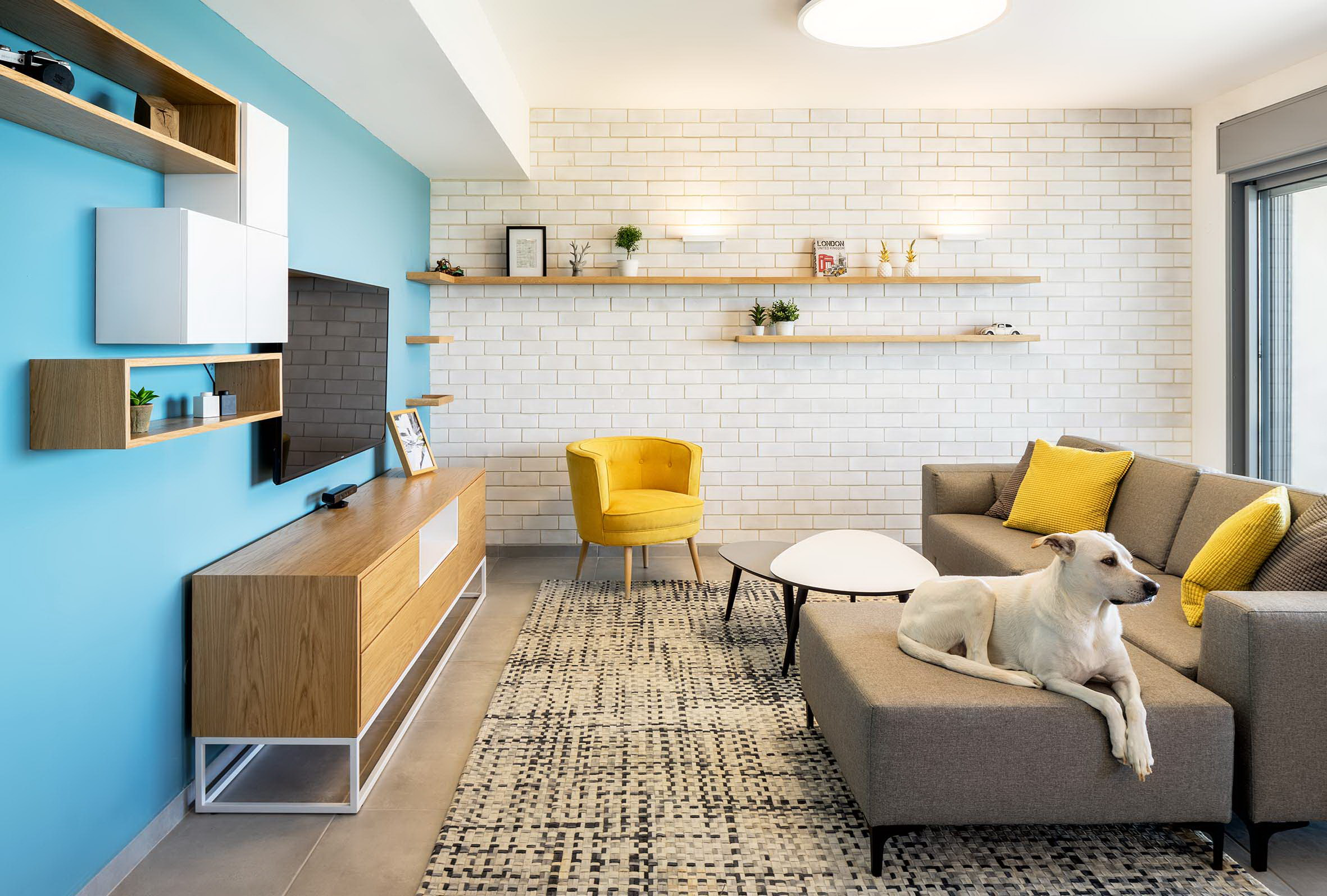 White Bricks | Blue Wall Apartment by EN Studio