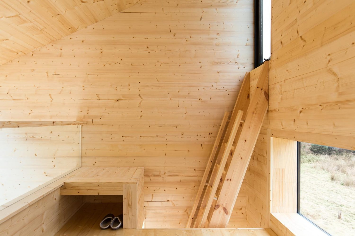 Bruny Island Hideaway | Holiday Cabin by Maguire and Devine Architects