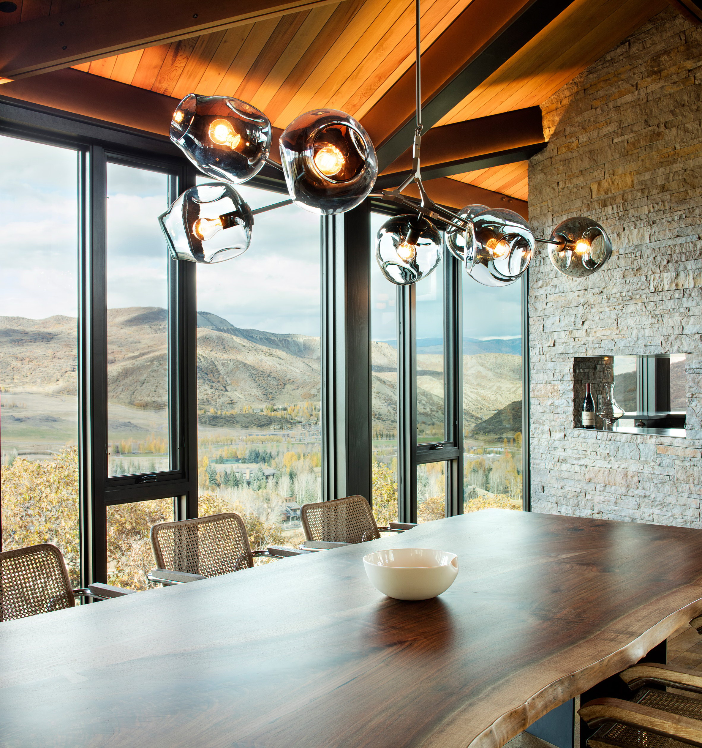 Owl Creek Residence by Skylab Architecture