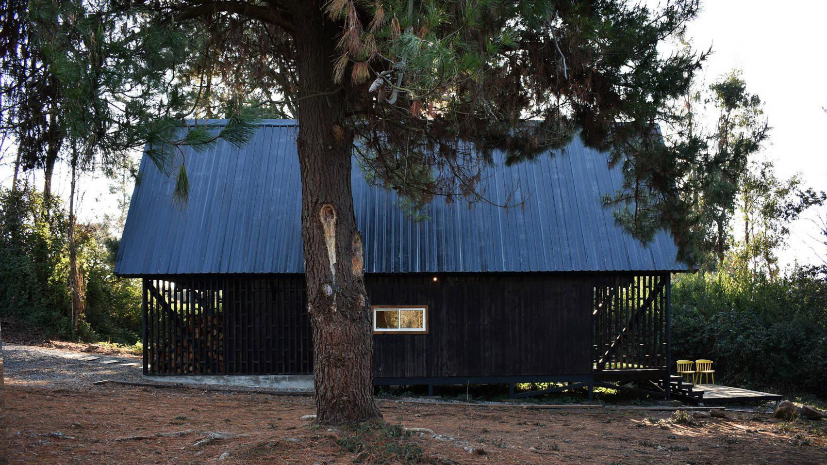 Casa R   A Mountain Refuge by Felipe Lagos