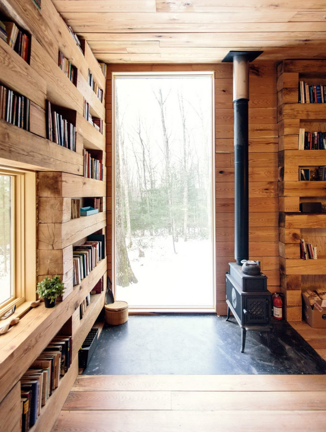 Hemmelig Rom | Library Cabin in the Forest by Studio Padron