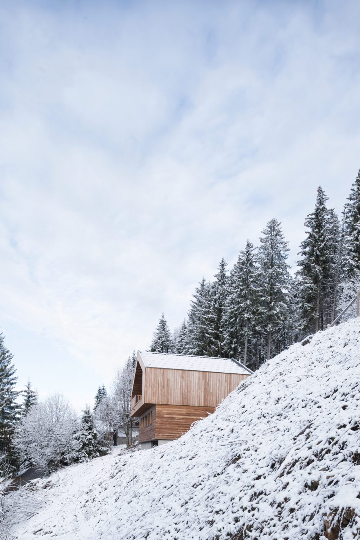 Mountain House by Studio Razavi Architecture