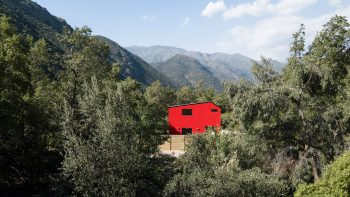 Casa La Roja – The Red House by Felipe Assadi Arquitectos
