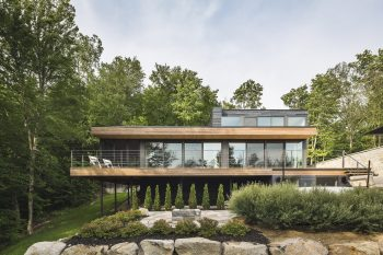 Estrade Residence | Lake House by MU Architecture