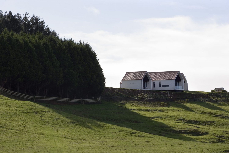 Farmhouse – Rural Retreat by RTA Studio