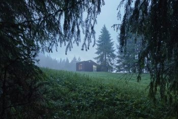 """""""Into the wild"""" – Mobile Cabin by Ark Shelter"""