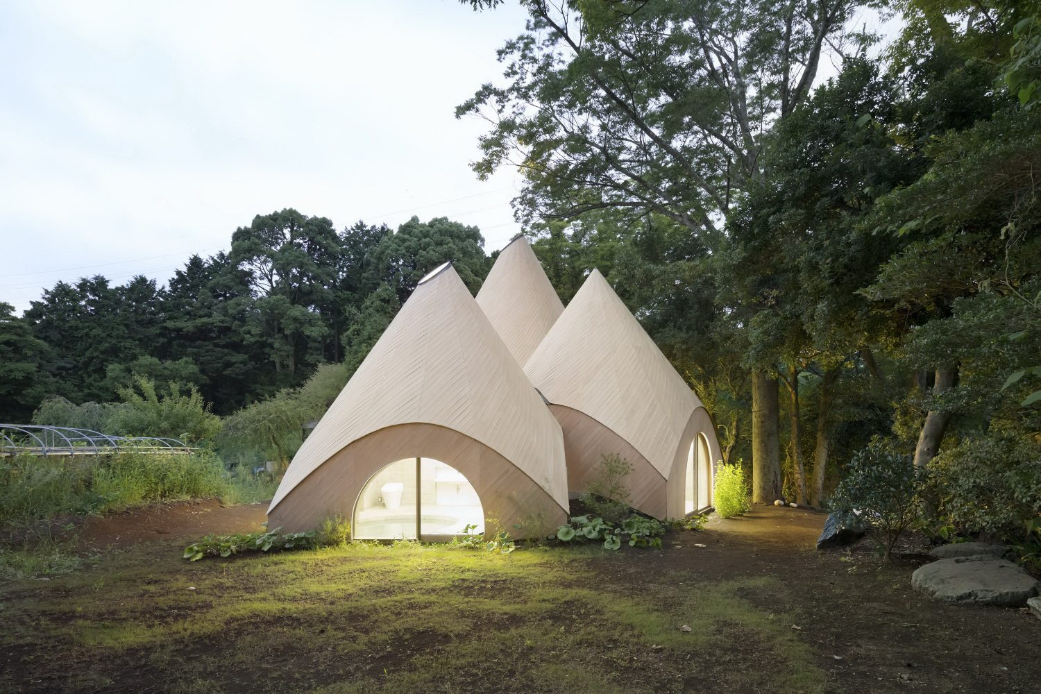 JIKKA | Complex of Five Huts by Issei Suma